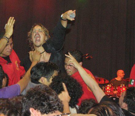 El concierto prehispánico de The Doors en el Cosmovitral